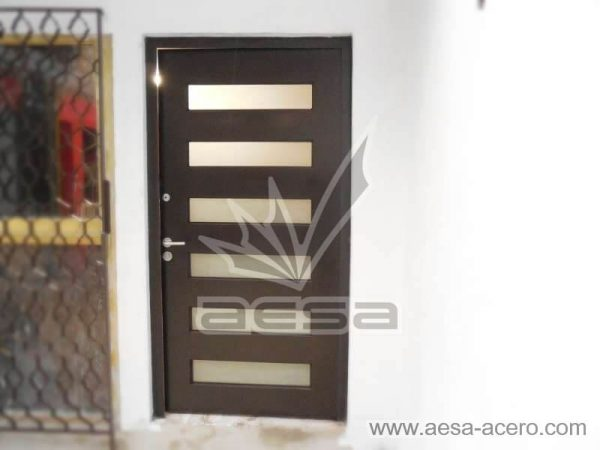 0450-minimal6c-puerta-moderna-herreria-minimalista-vidrios-rectangulares-residencial