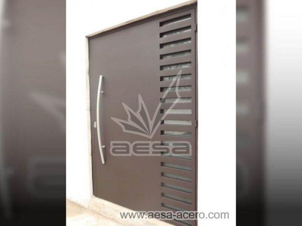 0490-116-puerta-minimalista-rejilla-lateral-vidrio-jaladera-curva-herreria-artistica