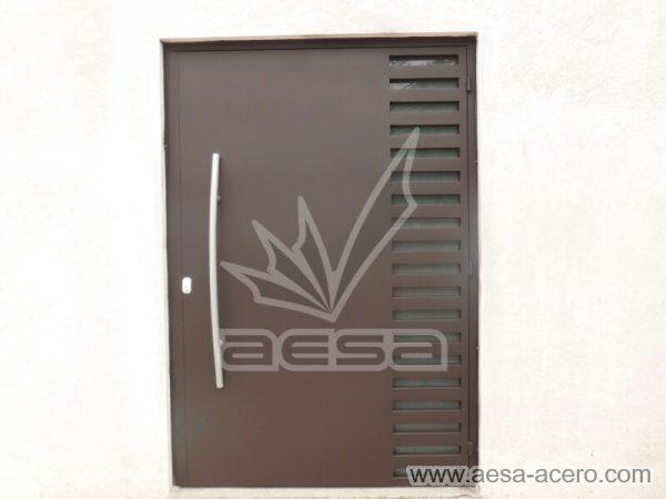 0490-116-puerta-minimalista-rejilla-lateral-vidrio-jaladera-curva-herreria-fina-seguridad-tendencia