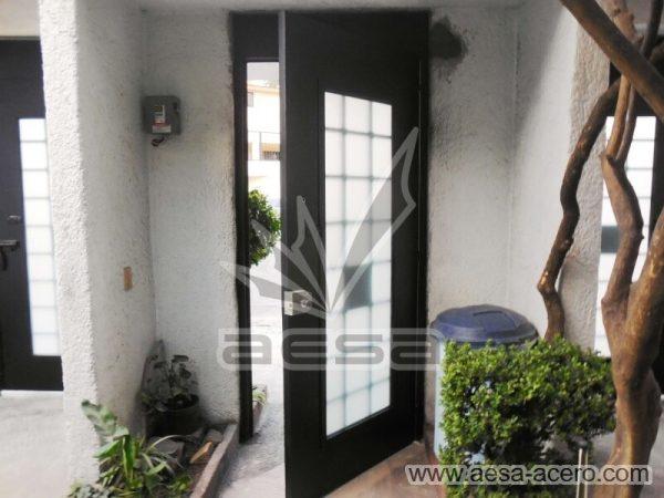 0510-511-puerta-residencial-cuadricula-nudos-forja-remaches-vidrio-color-negro-seguridad