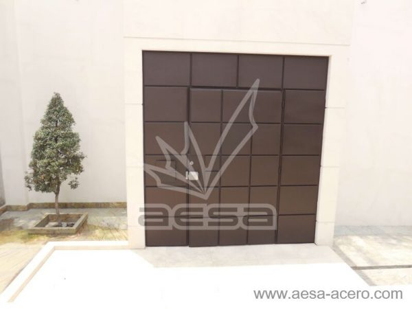 0530-5111-puerta-cuadros-lisos-salidos-moderna-seguridad-residencial