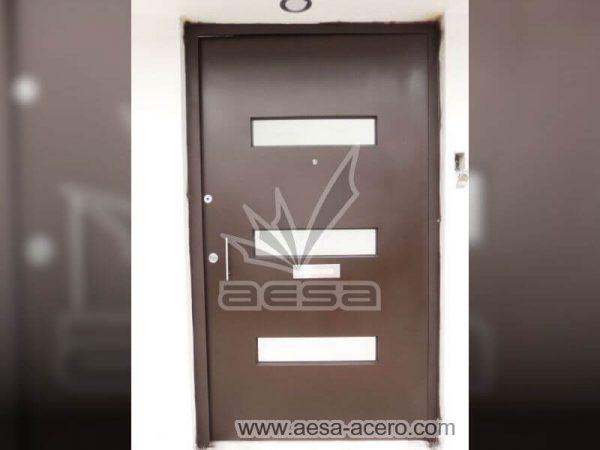 0540-512-puerta-minimalista-moderna-vidrios-rectangulares-seguridad-color-chocolate