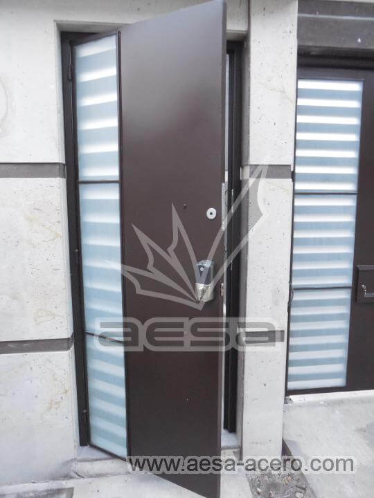 160-116-puerta-herreria-moderna-reja-rejilla-lateral-jaladera-grande-curva-atizpan-zaragoza-color-ch