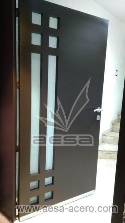 180-2302-puerta-principal-metal-herreria-seguridad-cuadros-vidrio-frontal-abierta