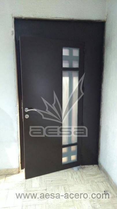 200-2302-puerta-principal-metal-herreria-seguridad-cuadros-vidrio-frontal-vista-interior